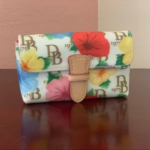 Dooney & Bourke Wristlet NEW